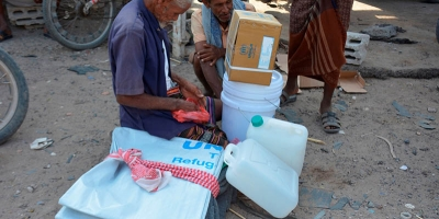 Funded by UNHCR, CSSW distributes shelter items in Lahj governorate
